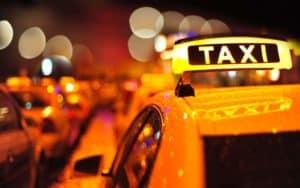 ЦБ и страховые компании не одобрили идею включить такси в ОСГОП