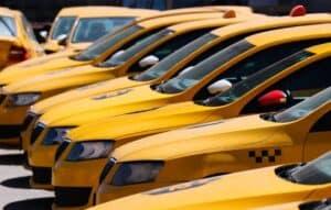 Работа страховщиков по ОСАГО с таксопарками будет проверена ФАС