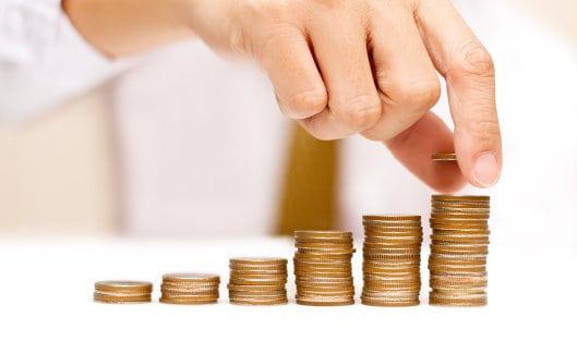 За 6 месяцев доход страховых компаний вырос почти на 10%