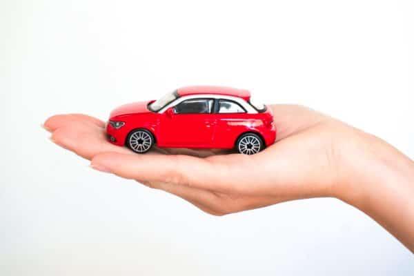 Страховые компании собираются возмещать убытки с помощью автомобилистов
